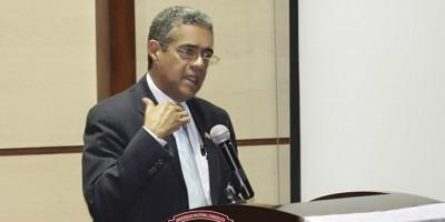 Rector de la Universidad Evangélica llama a votar en paz y con conciencia