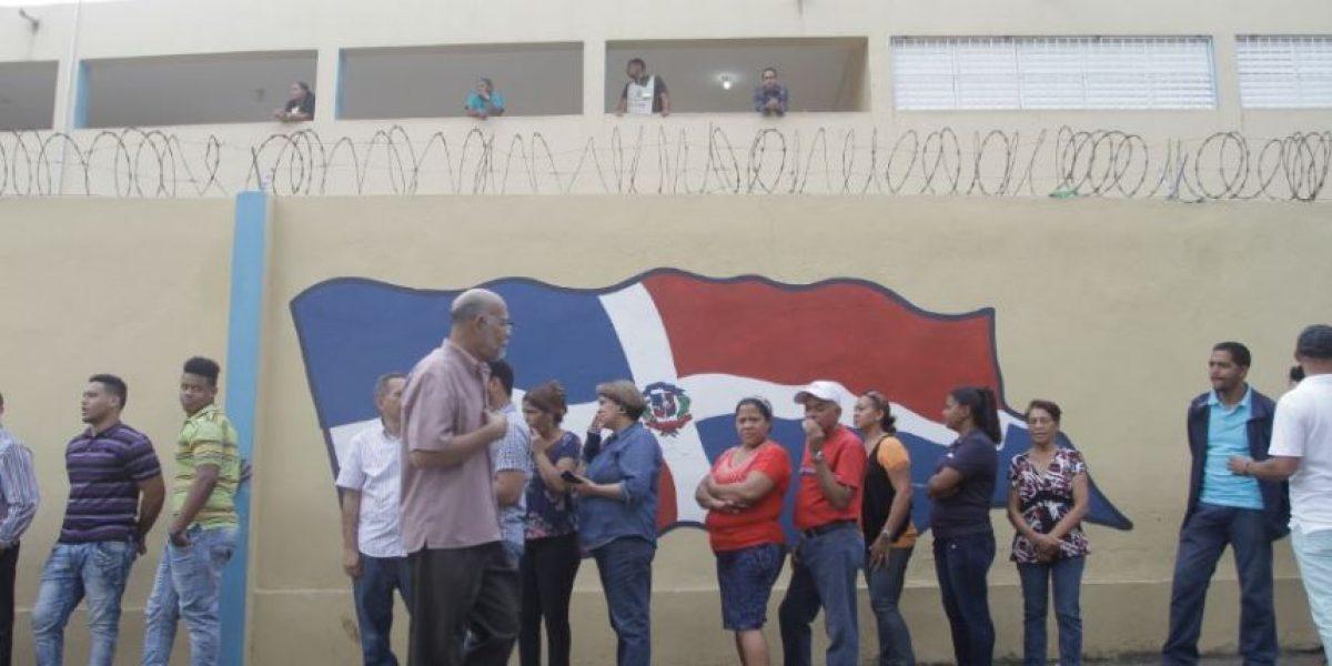 Renuncia de miles de técnicos electorales retrasa los comicios