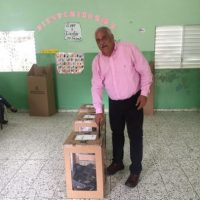Jaime David Fernández votó en Ojo de Agua, Hermanas Mirabal.