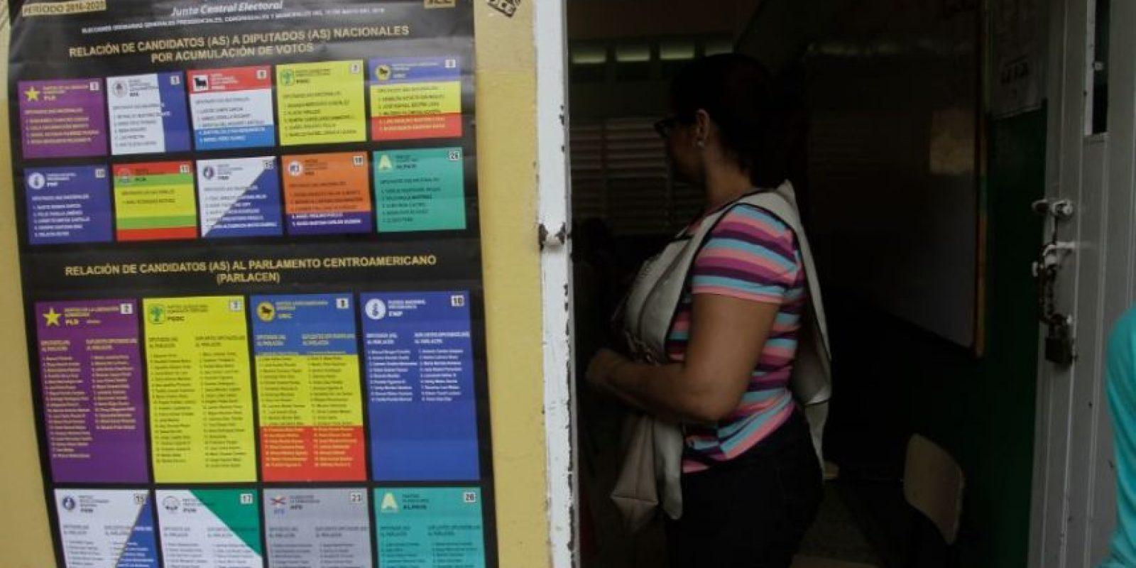 Entrada a colegio electoral Foto:Roberto Guzmán