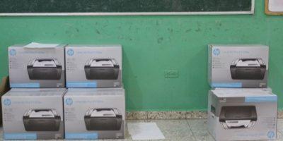 Escáneres en el piso Foto:Roberto Guzmán