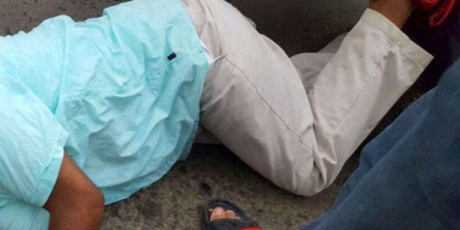 11- Muerte en Monción. Un hombre resultó muerto de un disparo en un hecho ocurrido en Monción, municipio de la provincia Santiago Rodríguez, en el suroeste del país. Al momento de su muerte en circunstancias que todavía ayer se investigaban, Simeón Cerda Torres, de aproximadamente unos 50 años de edad, tenía puesto un gafete del Partido de la Liberación Dominicana. Foto:Fuente externa