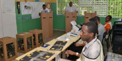 Abstención de un 30% del electorado Foto:Fuente Externa