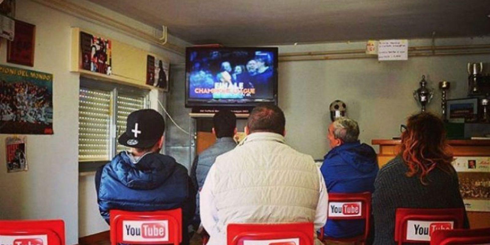 Ver la televisión en lugar de YouTube. Foto:instagram.com/biancoshock/