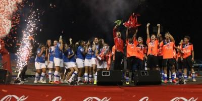 Iberia y Notre Dame ganan Copa Coca-Cola