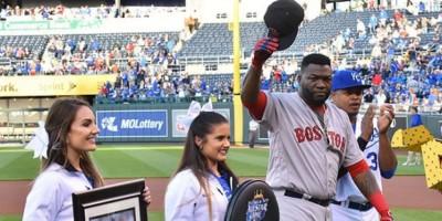 VIDEO: Big Papi recibe homeneje en Kansas City, pero Boston pierde