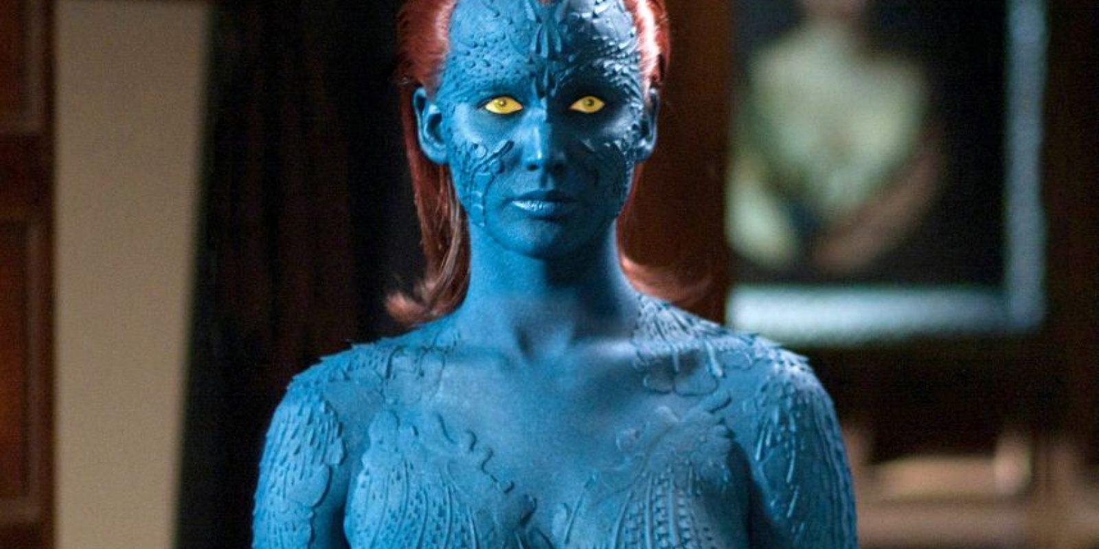 Mística (Jennifer Lawrence). Puede manipular y alterar los átomos de su cuerpo para duplicar la forma de cualquier humano. Foto:Fuente externa