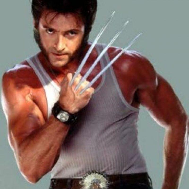 """Wolverine (Lobezno). En el universo ficticio de Marvel, Wolverine posee poderes regenerativos que pueden curar cualquier herida, por mortal que ésta sea. Además ese mismo poder hace que sea inmune a cualquier enfermedad existente en la Tierra y algunas extraterrestres. Ese mismo poder regenerativo, logra que se mantenga """"joven"""", envejeciendo de una manera lentísima. Posee sentidos y reflejos muy agudos. Foto:Fuente externa"""