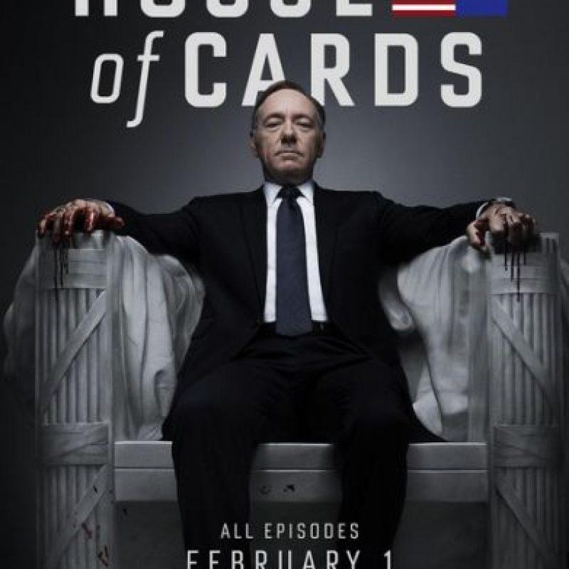 Es una adaptación de la miniserie británica del mismo nombre, basada en una novela de Michael Dobbs. Foto:Vía Facebook/HouseOfCards