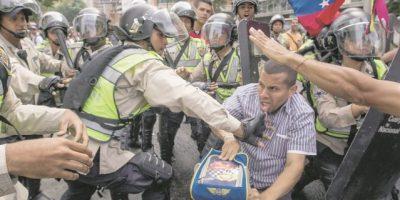 Venezuela: policía bloqueó marchas opositoras