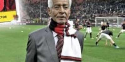 Víctor Benítez recibe homenaje del Milán por campeonato de 1963