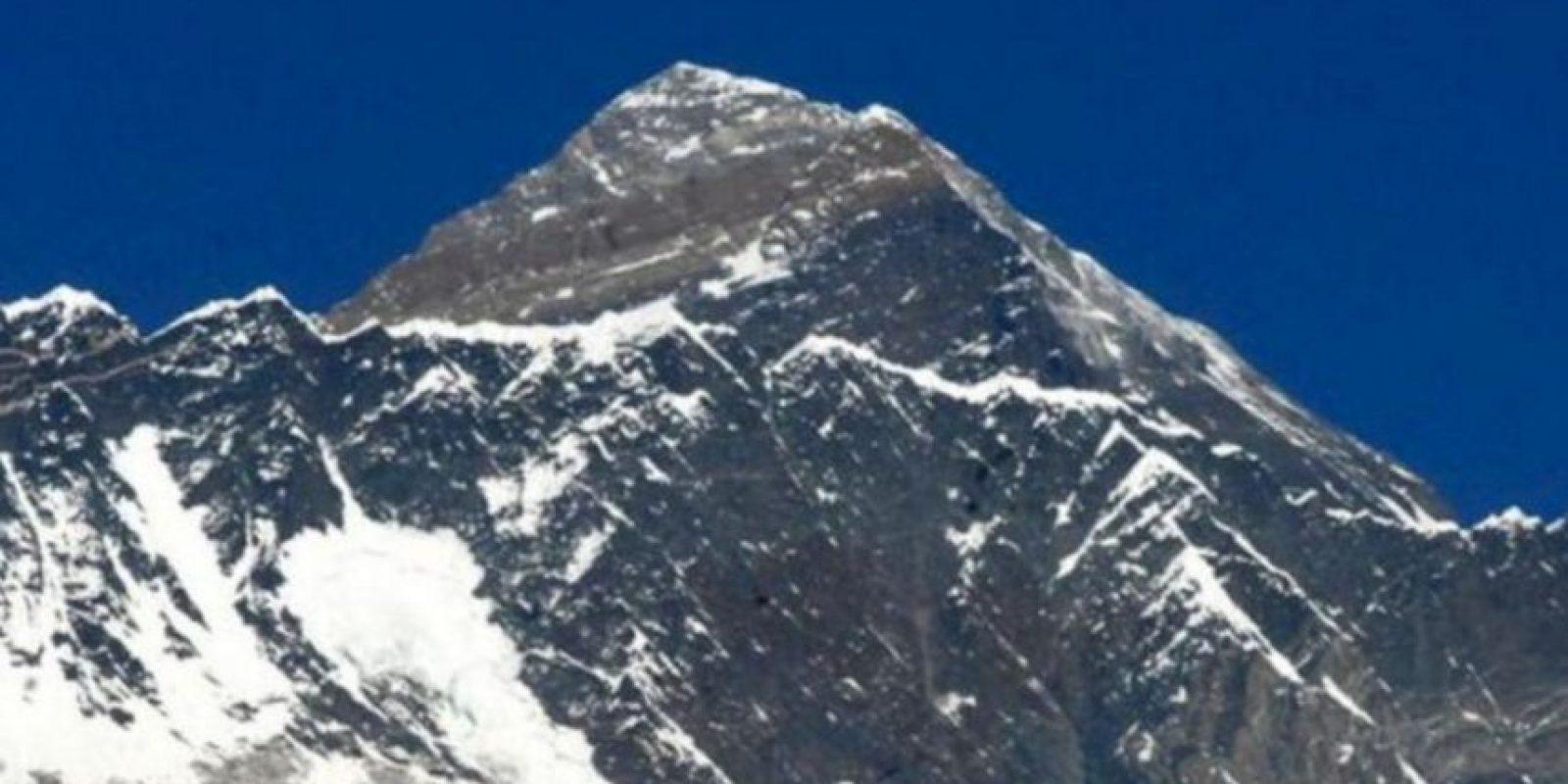 Vista del Everest, de 8.848 metros, desde Syangboche (Nepal), a 3.800 metros de altitud. Foto:Getty Images
