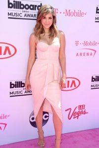 Liz Hernandez, sencilla. Dejó que el diseño de su vestido hablara por ella. Foto:vía Getty Images