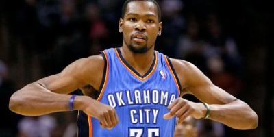 Kevin Durant dice que la NBA es un negocio por no suspender a Green