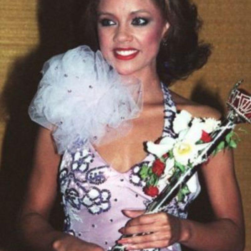 """Vanessa Williams fue """"Miss Estados Unidos"""" en 1984, pero le quitaron la corona por posar desnuda. Foto:vía Getty Images"""