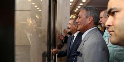 Danilo Medina supervisa trabajos de remozamiento del Teatro Nacional