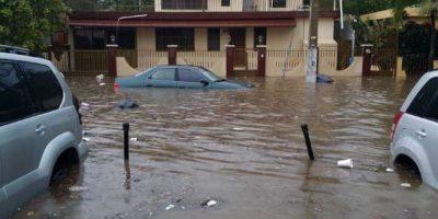 Inundaciones en una calle santiaguera Foto:@rdinaguantable