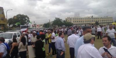 """""""Cadena humana"""" exige ante JCE renuncia de su presidente y nuevas elecciones"""