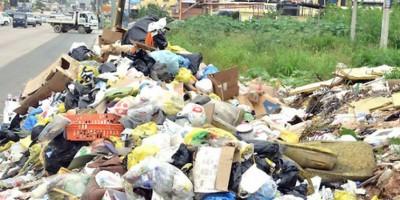 Ciudadanos de Santo Domingo Este denuncian la basura los arropa