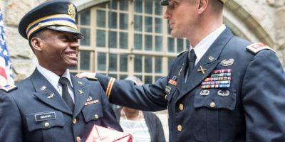 Alix atribuyó su éxito a su padre y su familia que siempre lo motivaron a seguir estudiando. Foto:West Point – The U.S. Military Academy