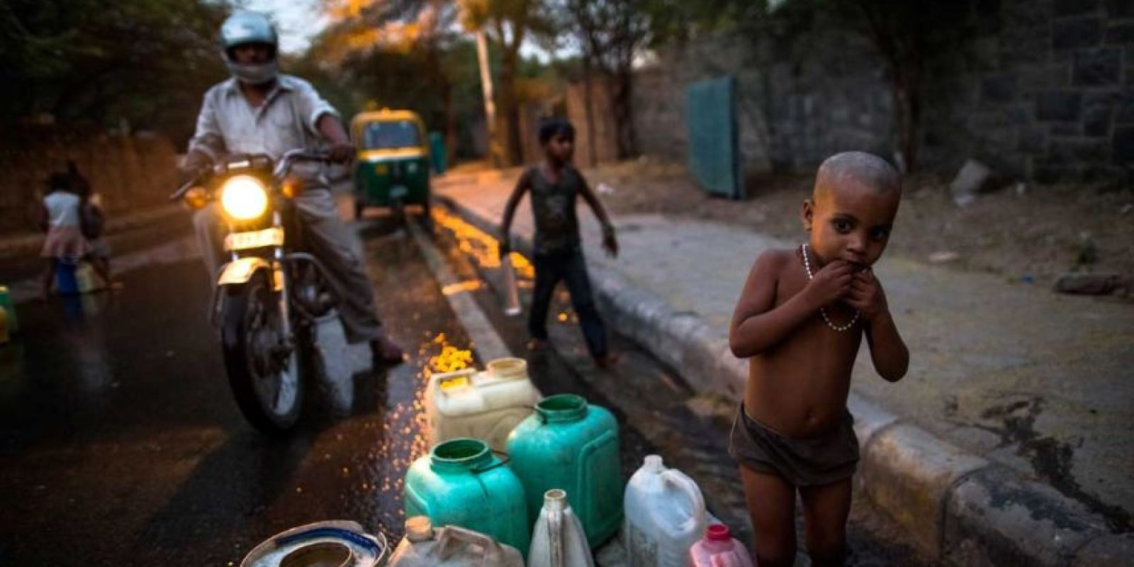 """Una intensa ola de calor se encuentra """"derritiendo"""" las calles de la India Foto:Getty Images"""