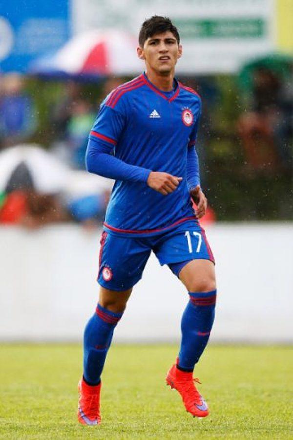 Es delantero y juega en el Olympiacos de Grecia. Foto:Getty Images