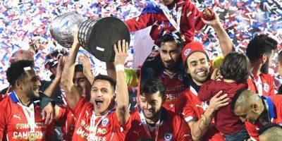 Chile, un último campeón que está muy fresco. Hace solo un año se disputó la última Copa América, en Chile. Hasta 2001, en Colombia, se jugaba cada dos años, luego saltó hasta el 2004, cuando se disputó en Perú, y desde ahí se intentó que se jugara cada 4 años, como los mundiales o la Eurocopa. En el 2007 fue en Venezuela, el 2011 en Argentina y el año anterior en Chile, torneo en que el local levantó la Copa por primera vez en su historia.Tras este torneo inédito en EE.UU. 2016, se espera seguir con la tradición de cada 4 años, teniendo como referencia el torneo oficial del año pasado. La Copa del 2019 será en Brasil y el 2023, probablemente, en Ecuador. Foto:Fuente externa