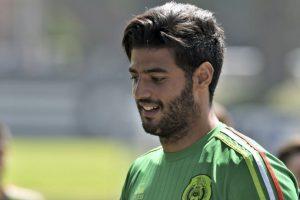 El atacante no tuvo su mejor temporada en Real Sociedad y sólo marcó 5 goles en 35 partidos, por lo que el técnico de la selección mexicana optó por no convocarlo, en una decisión consensuada con el jugador. Foto:AFP