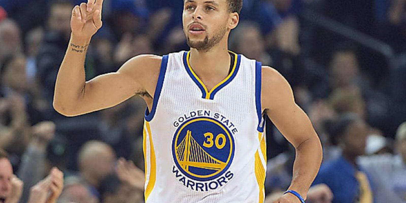 Stephen Curry – Warriors. • El dos veces Jugador Más Valioso de la NBA buscará defender exitosamente el título de campeón y con ello convertir a los Warriors en el equipo número 12 que conquista el campeonato en años consecutivos y el primero en hacerlo desde que el Heat de Miami lo logró en las temporadas 2012 y 2013.