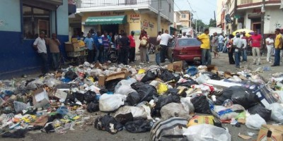 Intervienen cúmulo de basura en San Cristóbal