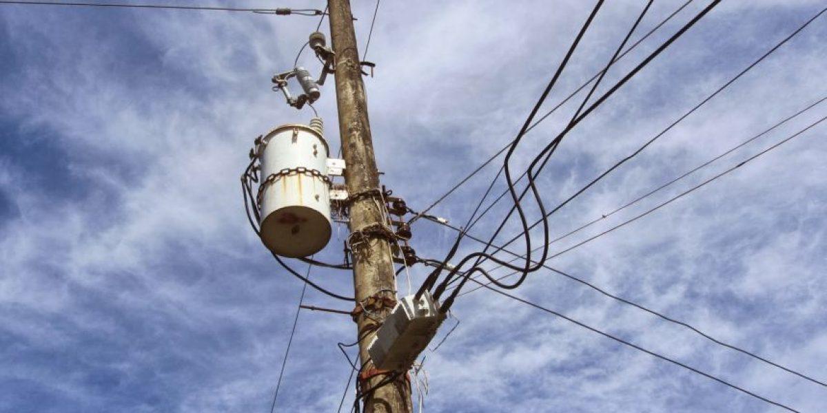 Un hombre muere electrocutado