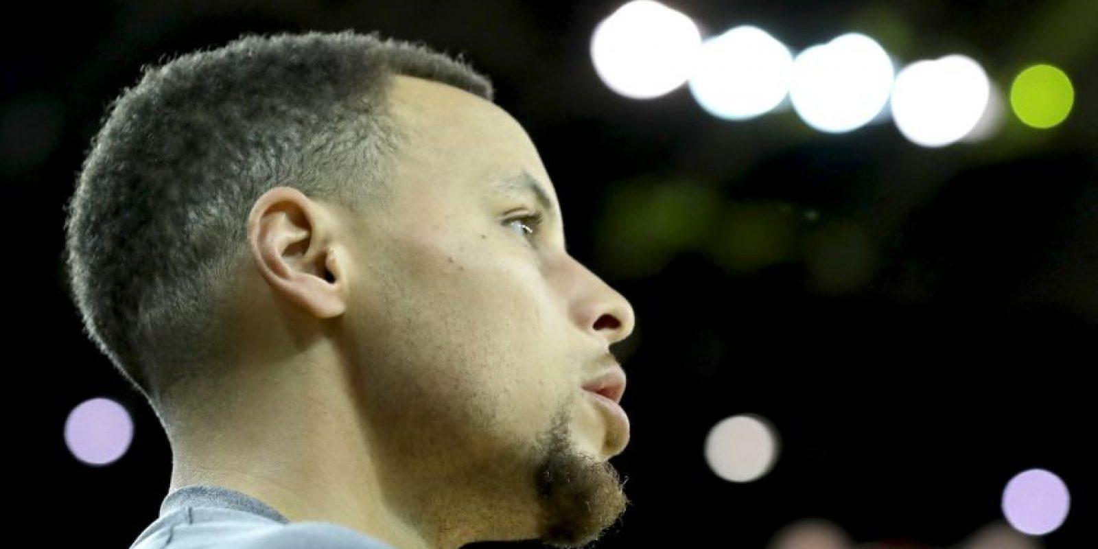 Luego de una extenuante temporada, donde aún está disputando las finales de la NBA, Curry decidió bajarse para cuidar su físico Foto:Getty Images