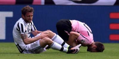 Los italianos sufrirán para encontrar un mediocampista para la Euro 2016 de Francia. Además de la lesión de Marco Verratti, Italia ya había sufrido anteriormente la baja de Marchisio, quien se rompió el ligamiento cruzado de la rodilla izquierda y será imposible que llegue al torneo continental de clubes. Foto:Getty Images