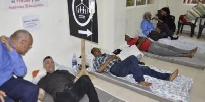 Finalizan huelga: Luis Abinader les dice que los necesita con buena salud