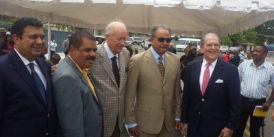 Marichal junto a las personalidades que lo acompañaron Foto:Fuente Externa