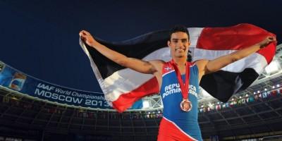 Luguelin Santos llevará la bandera dominicana en la apertura de Río 2016