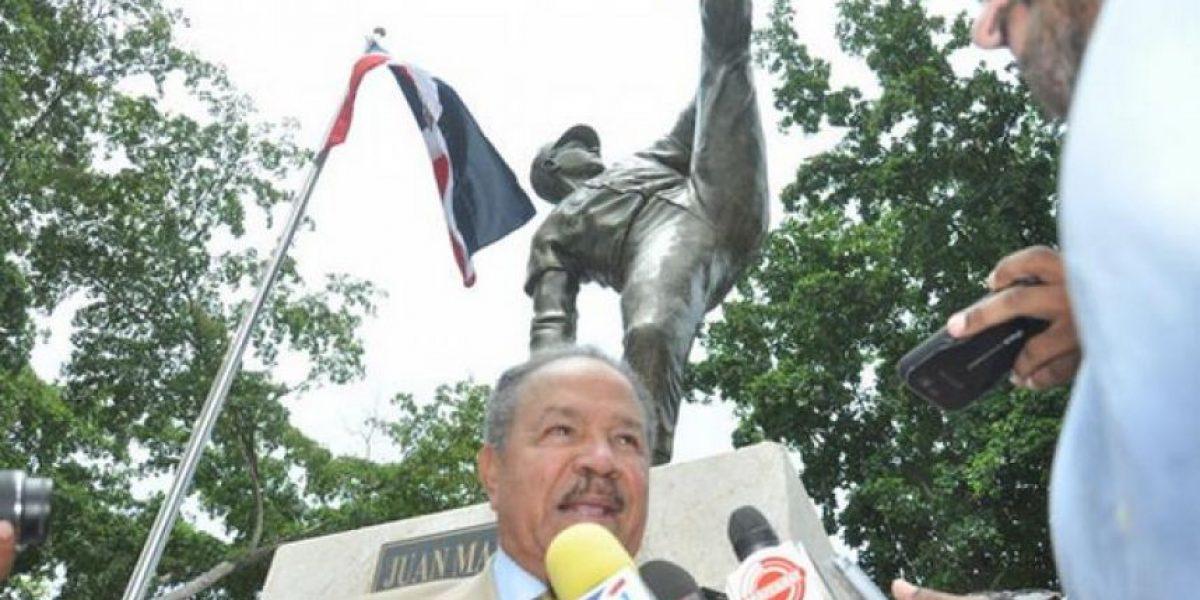 Juan Marichal desvela su estatua en el Estadio Quisqueya