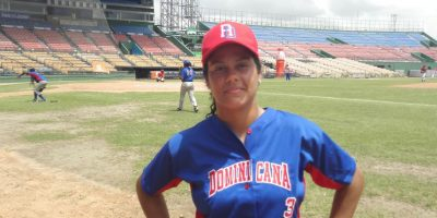 Pioneras del béisbol femenino organizado