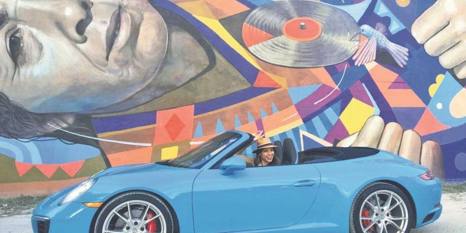 Nuestro Porsche 911 Carrera S Cabriolet de #Miamiblue paseo por WynWood. Foto:Fuente externa