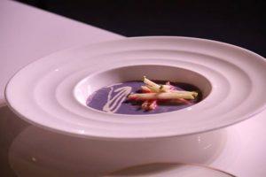 2- Sopa de repollo, gorgonzola y manzana. La mezcla de estos tres ingredientes hace de esta receta una entrada ideal previa a un exquisito plato fuerte. Foto:Fuente Externa