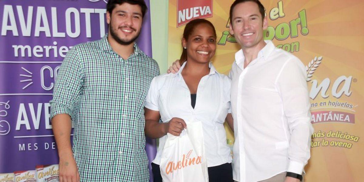 Avelina y Links entregan donativo