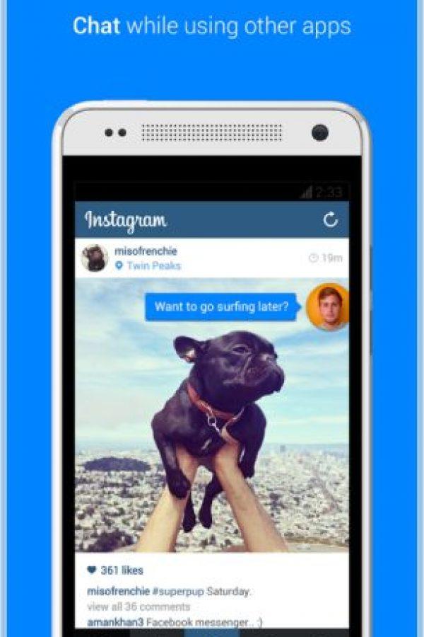 Facebook Messenger tiene la ventaja de poder platicar mientras usas otras apps. Foto:Messenger
