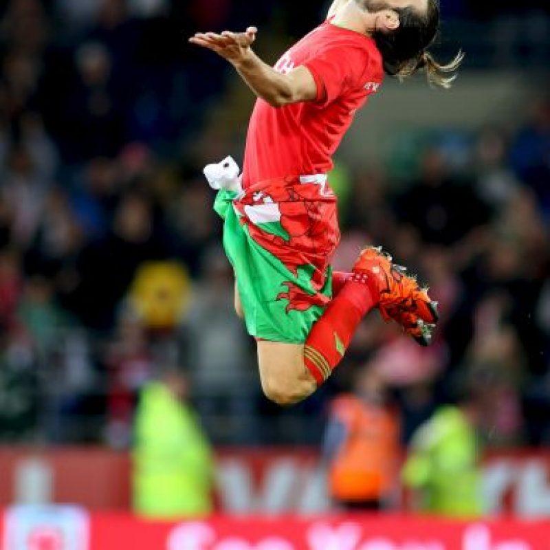 Dos veces mejor jugador de la Premier League, designado por quinto año consecutivo como mejor jugador galés y en el Mejor Once de la fase de clasificación para la Eurocopa, Bale está llamado a disputar el Balón de Oro en los próximos años tras ir ganando peso en el juego del Real Madrid. 'Bale es el gigante de esta selección', sentencia el capitán de Gales, Williams. Foto:DPA