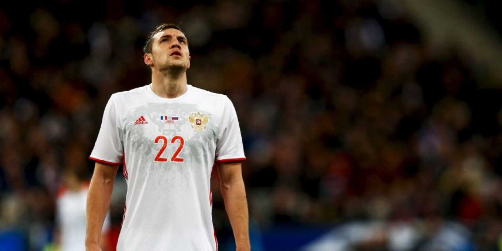 No tiene el talento de Dzagoev, baja por lesión en la lista definitiva de la Eurocopa 2016, pero los ocho goles anotados por Artem Dzyuba en otros tantos partidos de la fase de clasificación resultaron decisivos para que los rusos avanzaran a la Eurocopa. Sin apenas trascendencia en el Norwich City de la Premier League, Dzuyba se transforma en un ariete letal cuando se enfunda la camiseta del equipo nacional. El 40 por ciento de los goles que marcó Rusia en el camino hacia Francia 2016 llevan su firma. Foto:Getty Images