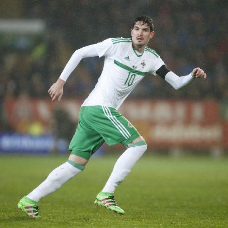 Lafferty marcó siete de los 16 goles de su equipo en el camino a la Eurocopa. Sólo el polaco Robert Lewandowski y el alemán Thomas Müller anotaron más tantos que él. Su poderío en el juego aéreo -mide 1,93 metros- se ajusta a la perfección a la propuesta directa de Irlanda del Norte. Foto:DPA