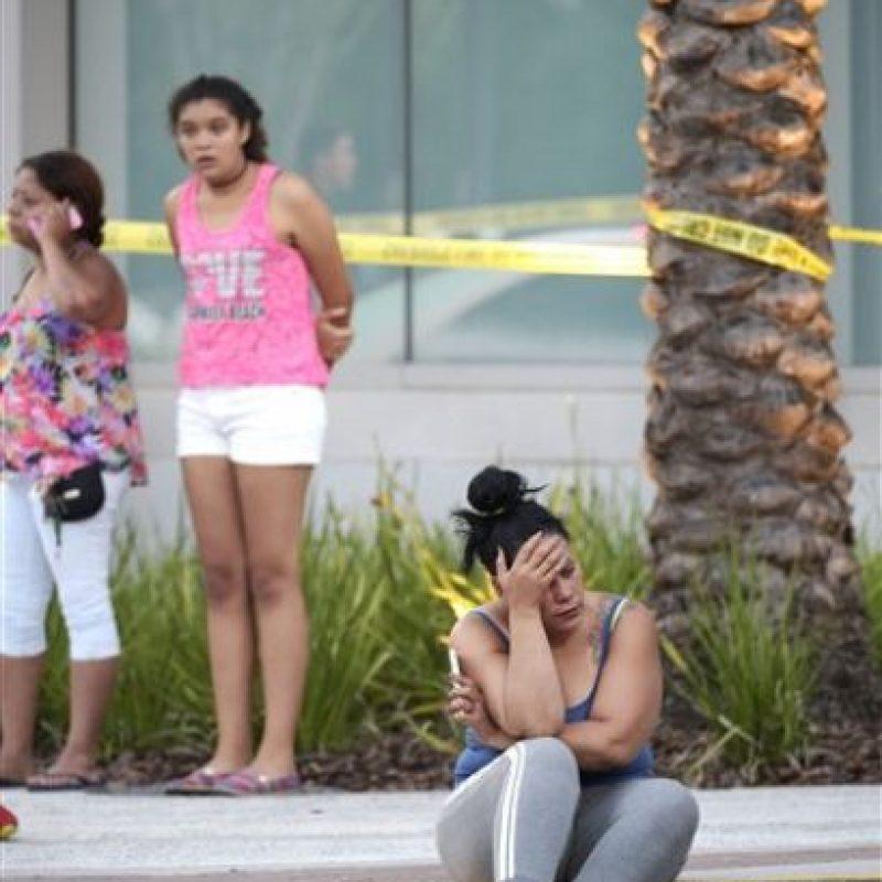 Masacre en bar gay dejó 20 muertos Foto:AP