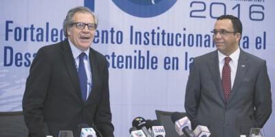 """Oposición presenta a OEA """"pruebas fraude"""""""