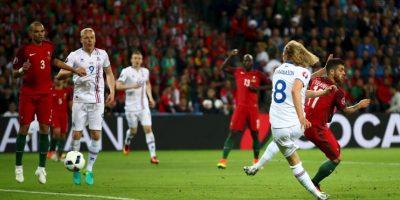 Bikir Bjarnason marcó el tanto que le dio el empate a Islandia ante Portugal Foto:Getty Images