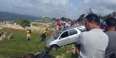 Muere mujer que se lanzó al mar con fines suicida; buscan cuerpo de esposo que se tiró a salvarla