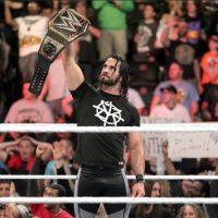 Seth Rollins regresó a exigir el campeonato que perdió por una lesión en la rodilla Foto:WWE